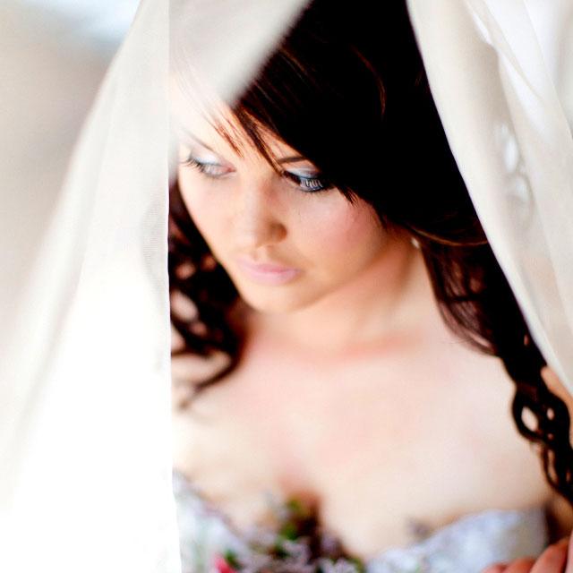 Stunning bride Anke Maseko